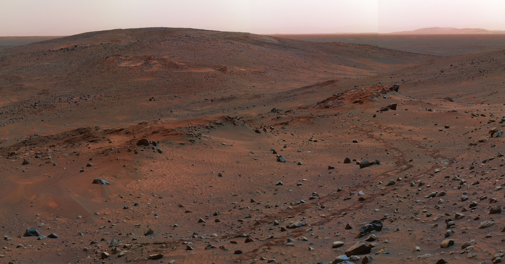 Panorama of the Gusev Crater on Mars
